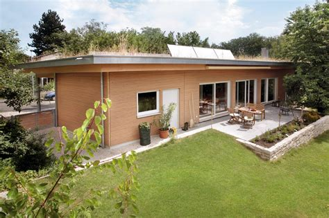 Bungalow with flat roof | E 10-102