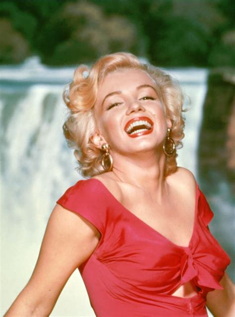 Marilyn Monroe Photo Collection Up for Auction, Including
