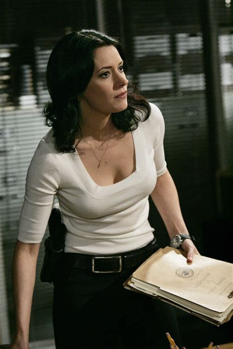 Paget Brewster Photos | Tv Series Posters and Cast