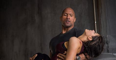 'San Andreas' review: Dwayne Johnson can't save dull flick