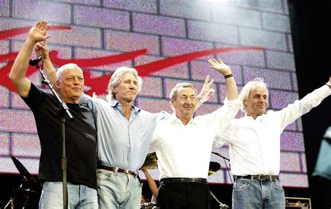 Could Pink Floyd reunite to play Glastonbury? - NME