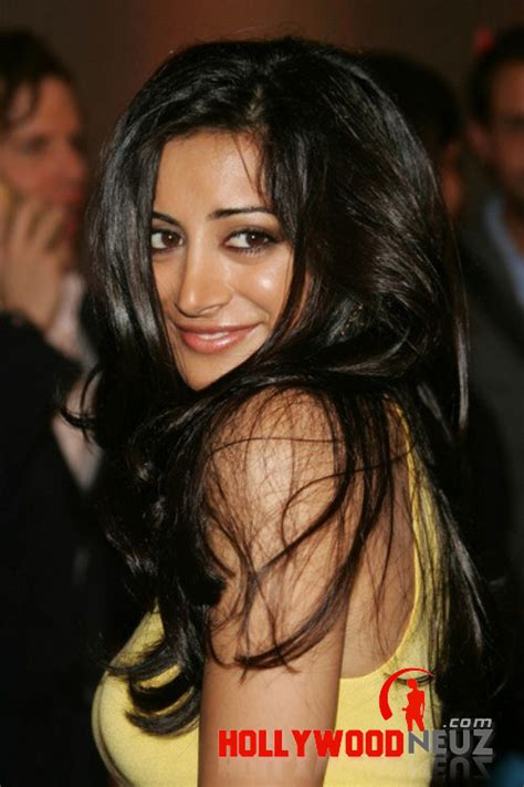 Noureen DeWulf Biography| Profile| Pictures| News